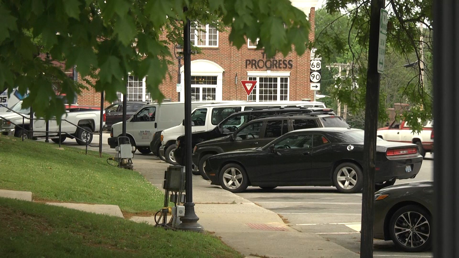 Parking ticket fees increase in downtown Glasgow - WNKY com